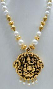 Vintage 22 K solid gold ganesh pendant south sea pearl necklace