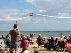 Can I suggest this for a holiday science photo?? From Bournemouth Air Fest. Well, we've got forces, speed, momentum, distance, materials, light rays. Via @danielharvey9