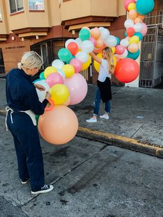 Geronimo Balloons + OHD Birthday Balloon Installation   Oh Happy Day!
