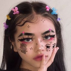 Informations About 121 abstract makeup looks that are totally selfie Pin You can easily use my profi Edgy Makeup, Grunge Makeup, Crazy Makeup, Makeup Inspo, Makeup Art, Makeup Inspiration, Cute Makeup Looks, Creative Makeup Looks, Pretty Makeup