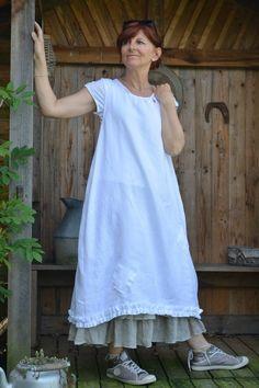 Charlotte tablier en lin blanc et jupon en voile de lin naturel beige 3 volants      ...
