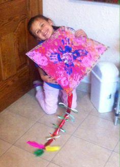 Mi nieta  en acción...Manos libre a volar#kite#made#grandchild#