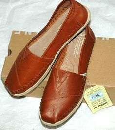 TOMS Women's Classic Cognac Full Grain Leather Shoes Size 10 #TOMS #LoafersMoccasins #CasualFootwear