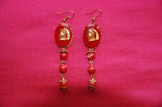 """Boucles d'oreille """"mandarin rouge"""" : cabochons verre or et rouge mandarin perles jaspe rouge coupelles ouvragées dorées attaches : Boucles d'oreille par lericheattirail"""