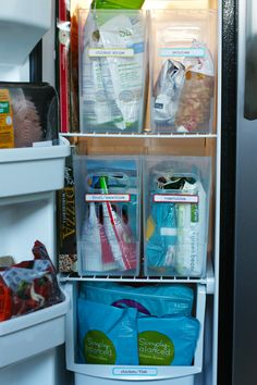 Welcome back to the Monthly Clean Home Challenge daily task! I am on a quest to maintain a clean and organized home in less time  and the g...