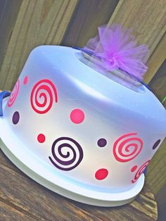 Personalized Cake Carrier by TheVinylPolkaDot on Etsy, $19.00