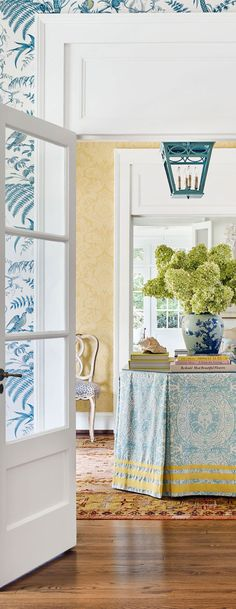 40 Simple DIY Interior Ideas For Your Home This Summer - Home Decoration - Interior Design Ideas Blue Living Room, Home, Damask Wallpaper Living Room, Dining Room Design, Glamourous Dining Room, Damask Wallpaper, Dining Room Wallpaper, Interior Design, Traditional Dining Rooms