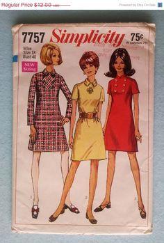 1968 Vintage Simplicity 7757 Mod A Line Dress Pattern - I made a few of these. Vintage Dress Patterns, Clothing Patterns, Vintage Outfits, Vintage Fashion, 1960s Fashion, Vintage Clothing, Beautiful Suit, Simply Beautiful, School Dresses