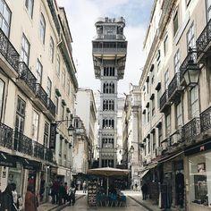 #lisbon #bestlisbon #timeoutlisboa #criticaldistance #openhouselisboa #vscoarchitecture #jj_architecture #unlimitedcities #archigram #archidaily #architecturemx #ptk_architecture #unlimitedcities #architectonics_world