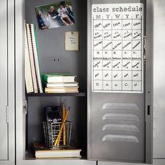 Middle School Lockers, Middle School Hacks, Middle School Boys, Life Hacks For School, School Study Tips, Cute Locker Ideas, Diy Locker, School Locker Decorations, School Emergency Kit