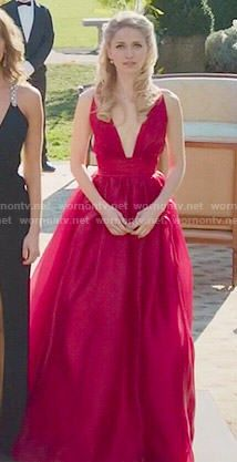 Anna's red plunge neck gown on UnReal.  Outfit Details: http://wornontv.net/50879/ #UnReal