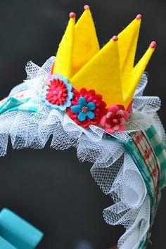 queen's hair band