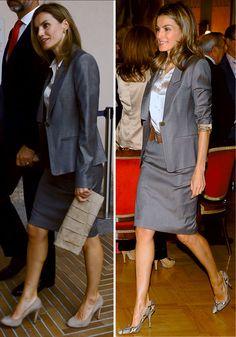 Este tipo de trajes son un básico de su fondo de armario, tanto en falda como en pantalón. Aquí la vemos con él en la entrega de los Premios Luis Carandell en 2011 (con salones de Carolina Herrera de serpiente) y en otro acto en 2013.