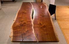 Urban Hardwoods Furniture - Seattle, walnut dining table--Innovative way to use bookmatched boards Live Edge Furniture, Log Furniture, Furniture Projects, Wood Projects, Furniture Design, Hardwood Furniture, Wood Slab Table, Walnut Dining Table, Wood Tables