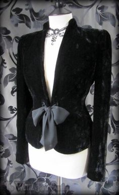 Romantic Victorian Black Crushed Velvet Bow Front Riding Jacket 12 14 Goth | THE…