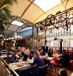 Discover the story of the gastronomic benchmarks of Barcelona: El Nacional: top-quality cuisine at a unique venue. Barcelona Bars, Barcelona Restaurants, Restaurant Concept, Restaurant Bar, Car Parking, Street View, Europe, World, Gallery