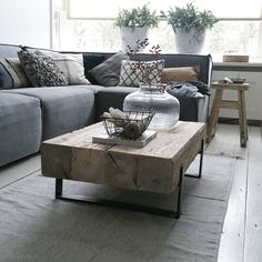 30 Cozy Industrial Living Room Design Ideas That Will Amaze Your Guests – Home and Apartment Ideas Living Furniture, Home Living Room, Interior Design Living Room, Living Room Designs, Living Room Decor, Handmade Living Room Furniture, Design Industrial, Industrial Living, Muebles Living