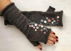 Items similar to Dark Gray Arm Warmer Knitting Fingerless Gloves / Batik colors. Spring fashion No : 3 on Etsy Fingerless Gloves Knitted, Knit Mittens, Knitted Baby Blankets, Wrist Warmers, Knitting Accessories, Trendy Accessories, Baby Knitting, Hand Stitching, Etsy