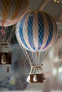 mini hot air balloon