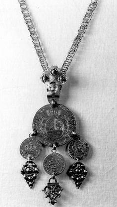 Agnus Dei, Hengesmykker for brud og brudgom. Pendant Necklace, Jewelry, Jewlery, Jewerly, Schmuck, Jewels, Jewelery, Drop Necklace, Fine Jewelry