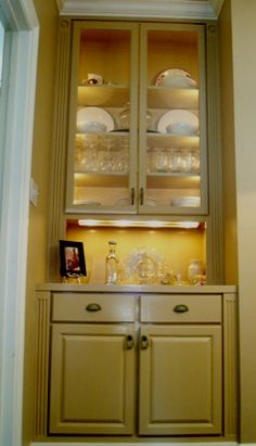 Instead Of The Closet Turn It Into A Built In Hutch For Use An Office Or Dining Room
