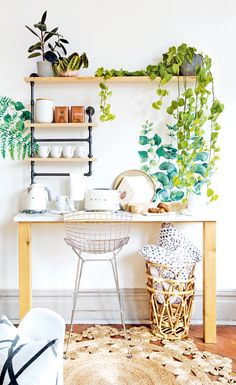 This light-filled nature-inspired studio is a creative hub for Danielle Hardy's blossoming wall decor biz | Image: Janis Nicolay #StyleatHome #office #walldecals #flowers