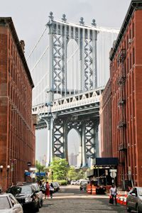 View of the Manhattan Bridge and the Empire State Building (through the arche) from DUMBO - Brooklyn