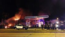Milwaukee Officials Detail Shooting that Sparked Protests - http://www.nbcchicago.com/news/local/milwaukee-police-detail-fatal-shooting-sylville-smith-riots-protests-390134431.html