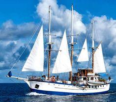 The Islands of Sagitta. Sailing with Island Windjammers. #Caribbean