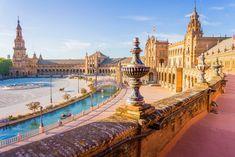 Praça de Espanha, um dos principais atrativos da cidade de Sevilha. Foto: Shutterstock/LucVi.