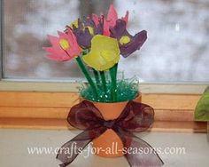 Make a pretty bouquet of flower - using egg cartons! - From Crafts For All Seasons