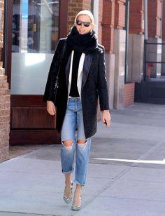 Karolina Kurkova opted for printed pumps by Nicholas Kirkwood, a Joe's Jeans jacket and furry scarf to polish her Rag & Bone jeans // #Denim