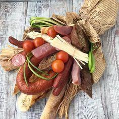 19 Super ideas for baking gifts ideas diy Edible Food, Edible Gifts, Vegetable Bouquet, Food Bouquet, Baking Soda On Carpet, Easy Roast Chicken, Edible Bouquets, Deco Floral, Edible Arrangements