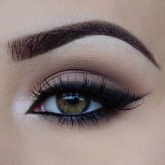 smudged #smokey #cat_eye with netral colors + black liner, balanced by a light inner corner highlight | #makeup