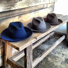 A best friend for travelers far and wide, the Luke takes heed from 20s, 30s and 40s style when your hat went with you everywhere. Includes a salvaged leather tie. 100% Merino Wool Salvaged black leath