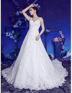 Stunning sweetheart pearls sequins beaded lace chapel train A-Line wedding dresses 2017 HB-604