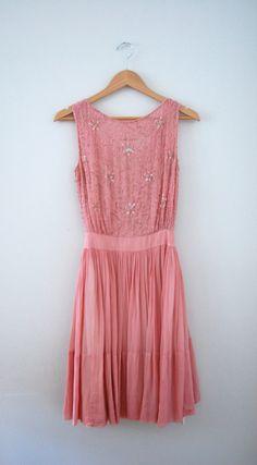 60s Prom Dress/ 1960s Party Dress/ Pink Sequined door AnastasiaSwift
