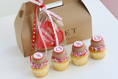 Mini Cupcakes instead of chocolates for that sweet touch for Valentine's Day!    From Sweet Cupcakes.