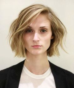 22 Sophisticated Short Wavy Haircuts and Hairstyles 2019 for Women to Reach Perfection