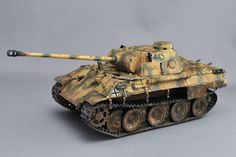 German Middle Tank Panther D (Dragon) Panther, Model Tanks, Military Modelling, American Pride, Tiger, Plastic Models, Scale Models, Military Vehicles, World War