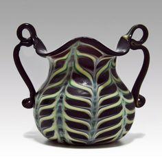 Fratelli Toso amethyst 'Fenicio' vase, 1900