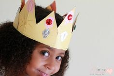 A Three Kings Day crowns craft that preschoolers can do all on their own! They even help create their own crown template! Add this kids crown craft to your Dia de Reyes celebration. 3 Kings Day Crafts, Art For Kids, Crafts For Kids, Crown Crafts, Crown Template, Kings Crown, Holiday Traditions, Fine Motor Skills, Preschool Crafts