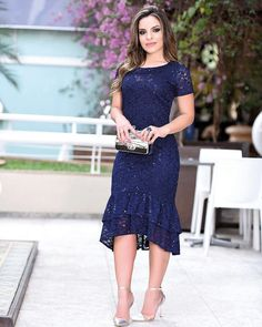 Love Blue dresses like this. Dressy Outfits, Skirt Outfits, Dress Skirt, Lace Dress, Bodycon Dress, African Fashion Dresses, African Dress, Fashion Outfits, Evening Dresses