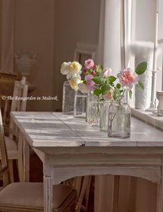 Painted Furniture ~ WHITE / ROSE GARDEN Malevik fajny