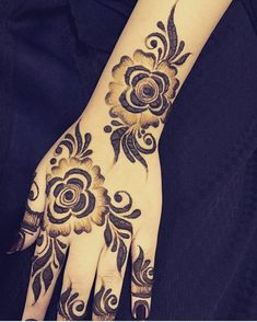 Modern Henna Designs, Henna Tattoo Designs Simple, Floral Henna Designs, Stylish Mehndi Designs, Beautiful Henna Designs, Beautiful Mehndi, Khafif Mehndi Design, Mehndi Designs 2018, Mehndi Design Pictures
