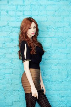 Karen Gillan) I'm Amanda Roberts, Alina's sister. My stage name is Willow. I'm a contortionist and escape artist. Oldest of two at 23 years old. I don't socialize unless it's absolutely necessary.