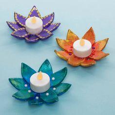 Diwali Flower Lantern & Free Craft Ideas & Baker Ross Source by poojasinghdeoli Diwali Decoration Items, Diya Decoration Ideas, Diwali Decorations At Home, Diwali Lantern, Diwali Candles, Diwali Lights, Diwali Craft For Children, Crafts For Kids, Diwali Activities