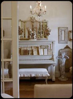 I want an offwhite piano for my kids to play on!