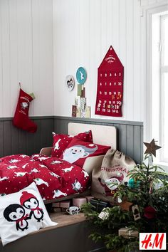 H&M Christmas Collection 2013: Hennes & Mauritz #Christmas Nursery Decorations with Bed Linen, Advent Calender and Christmas Stockings in Red, White and Green Color. (Photo #HM)