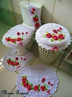Best 11 set of 5 pieces for bathroom wool hook handmade carpet decoration Crochet Doilies, Crochet Stitches, Crochet Patterns, Bathroom Crafts, Bathroom Sets, Crochet Table Runner, Crochet Home, Crochet Accessories, Beautiful Crochet